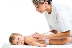 Важность ежедневного массажа для детей первого года жизни